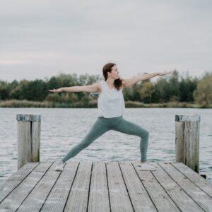 Yogahouding-Warrior-Virabhadrasana